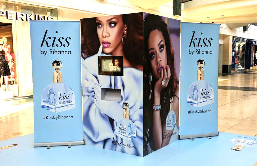Kiss by Rihanna - Experiential marketing, Experiential Staff